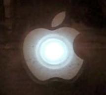 Throbbing Apple Logo Sticker using PIC10F206 microcontroller