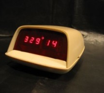 New Earth Time (NET) digital clock in recycled retro-modern case using PIC16F627A