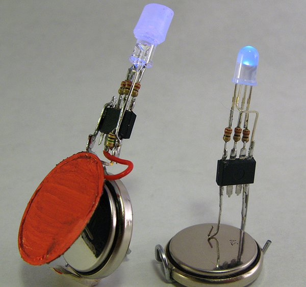 PIC16F84A LED blinking