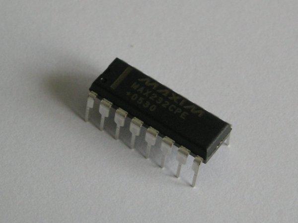 PIC16F877 UART