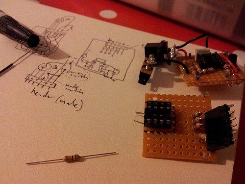 temperature sensing RGB LED nightlight circuit