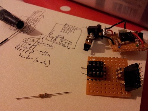 temperature sensing RGB LED nightlight circuit