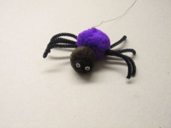 Max the Spider - powered by LEGO and PIC microcontroller