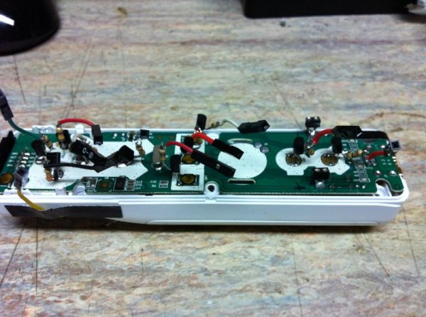 Bluetooth Wireless Voltage Meter using Wiimote + Pic Chip + AutoIt schematic