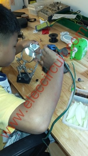 PIC microcontroller power supply circuit by Chayapol