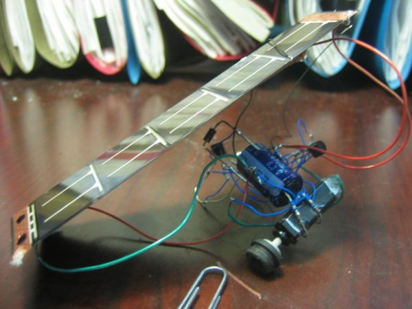 Cheap Easy Solar Powered Robot