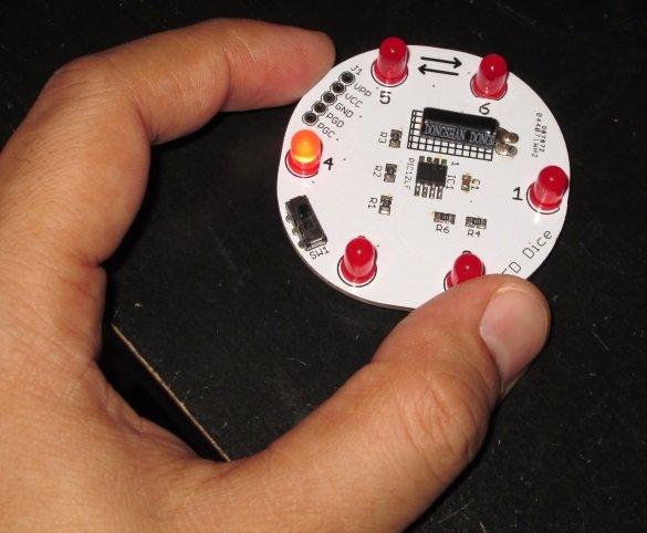 Running LED dice
