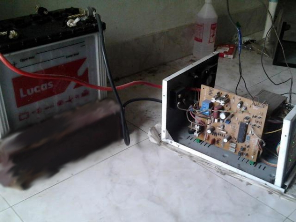 Single microcontroller based 12v to 230v inverter with intelligent battery charging