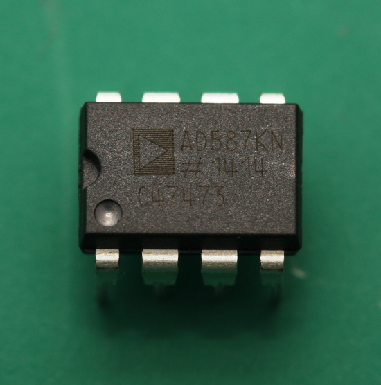 Analog Devices AD587 10V Reference
