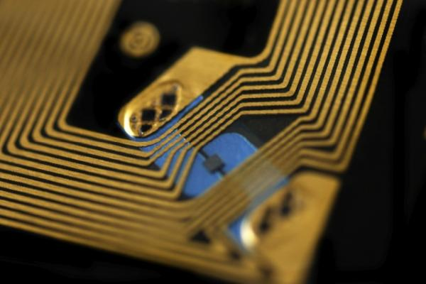 Toward hack-proof RFID chips