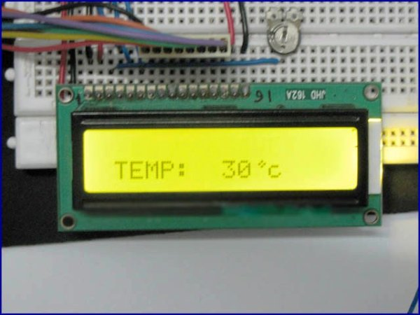 Temperature sensor using PIC16F877A microcontroller
