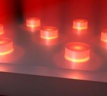 INCANDESCENT LIGHT BULBS AT THE NANOSCALE