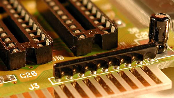 Microcontrollers and other Microchip devices Search tool