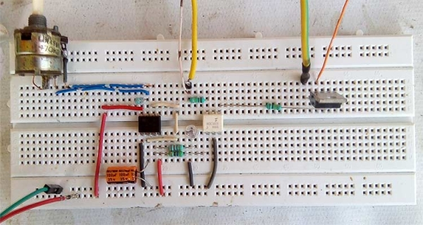 AC Lights Flashing and Blink Control Circuit Using 555 Timer and TRIAC